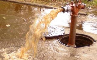 Почему из скважины идет ржавая вода