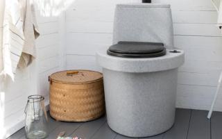 Чем растворить фекальные отложения в дачном туалете
